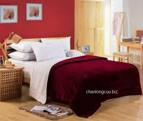 chăn lông cừu màu đỏ bóc đô (đỏ đậm) made in indonesia