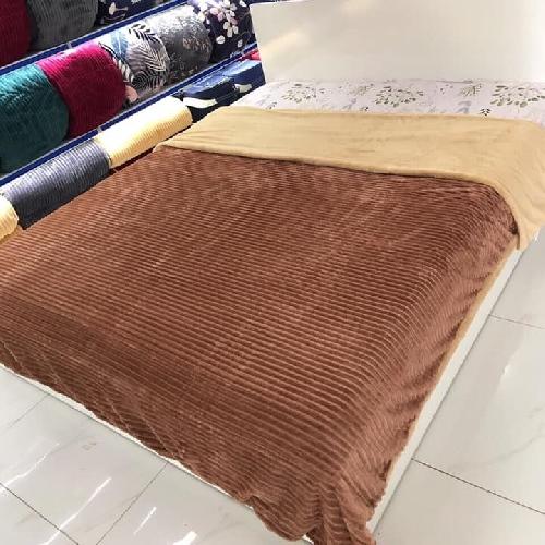 chăn lông cừu thu đông yuki màu nâu socola
